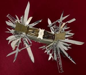 Couteau-Multifonction-John-S-Holler[1]